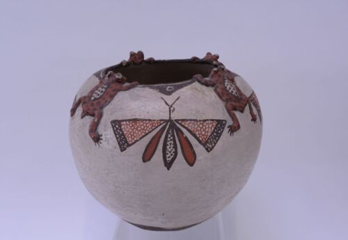 Antique Zuni Kiva Jar With Frogs On Rim With Polychrome Butterfly Motif C. 1900