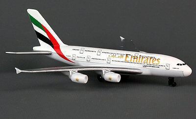 Emirates Airlines Airbus A380 Spielzeugflugzeug Diecast metal 15cm lang
