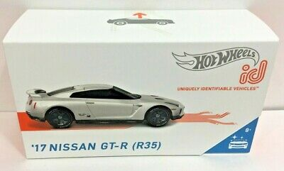 Hot Wheels id 2017 Nissan GT-R R35 Factory Fresh Series 1 App Racer Smart Track