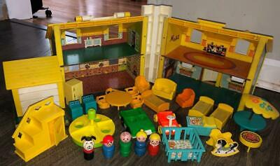 FISHER PRICE VINTAGE LITTLE PEOPLE PLAY FAMILY YELLOW HOUSE 952