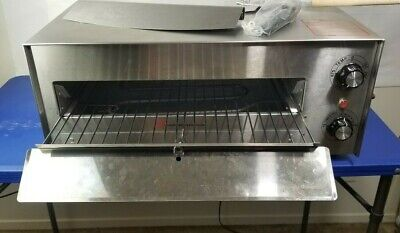 Wisco 560e Commercial Pizza Multi-purpose Oven With Commercial Pizza Accessories