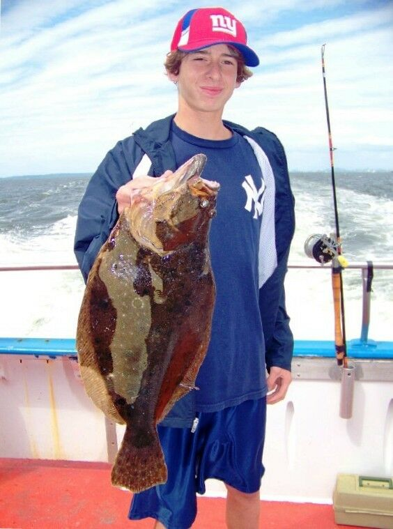 BEST FLUKE FLOUNDER B2 SQUID GLOW RIGS LURES MUSTAD SEA BASS COD SALMON