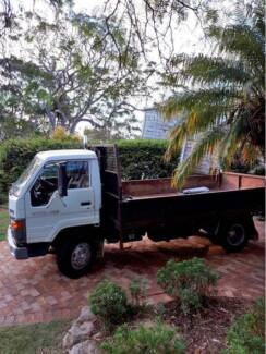 yanmar excavater and dyna truck quick sale bargain