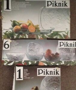 New Piknick Glass set 3 boxes