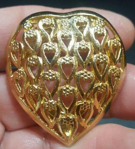 "Vintage Signed CELEBRITY Gold Tone HEART SCARF CLIP Open Work Textured 1 5/8"" mr"