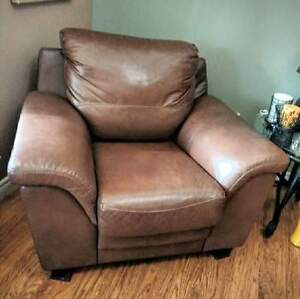 Stunning 100% Leather Couch w/ Chair