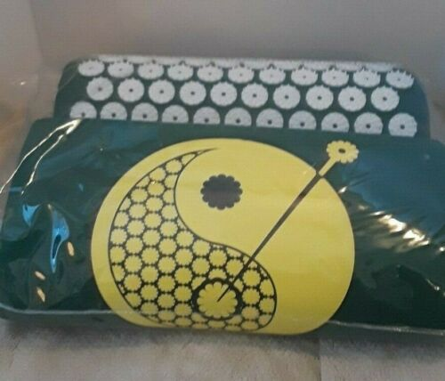 NAYOYA Lower Back Pain Relief Treatment Acupressure Mat & Pillow Set Pre-owned