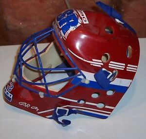 Childs toy goalie helmet – ONLY $12 London Ontario image 2