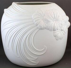 Vase - porcelain by Kaiser