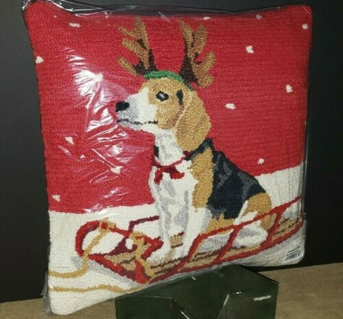 BEAGLE ON SLED Dog Christmas Handmade Finished Hooked Wool Pillow 18*18 NWT