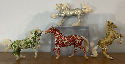 Breyer Stablemate 2020 Festive Filigree Complete Set Silver Green Red and Gold