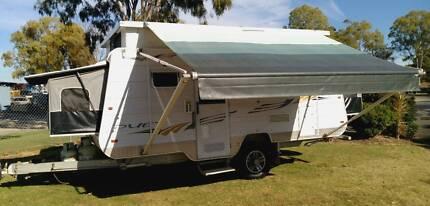 2011 PARAMOUNT, 17ft CARAVAN, DBL BEDS, AIRCON, ROLLOUT, ANNEXE Deception Bay Caboolture Area Preview