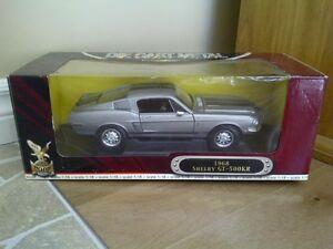 """Modèle réduit """"Shelby GT 500 1968"""""""