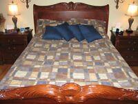 Ensemble de douillette, couvre oreillers, 4 coussins et draperie