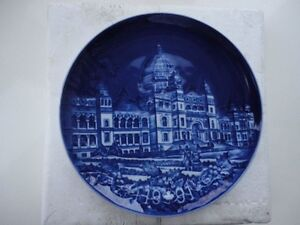 Royal Copenhagen 1991 Christmas in Canada Parliament plate