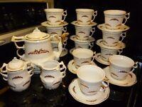 Ensemble à thé pour 12 en fine porcelaine de Roumanie (191)