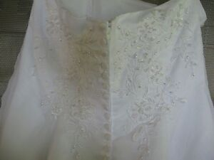 Wedding Dress - Private Collection ($275) Sarnia Sarnia Area image 3