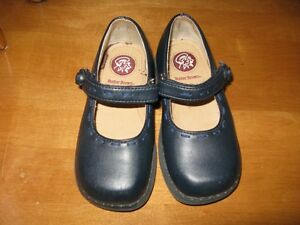 Little Girls Footwear, size 8-9 Sarnia Sarnia Area image 7