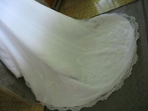 Wedding Dress - Private Collection ($275) Sarnia Sarnia Area image 2
