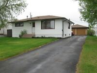 House for sale in Deerwood