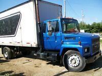 camion mack 300 boite 20 p tilgate hydraulique