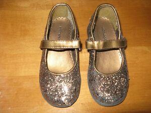 Little Girls Footwear, size 8-9 Sarnia Sarnia Area image 8
