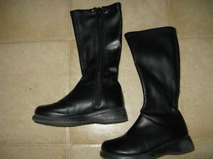 Little Girls Footwear, size 8-9 Sarnia Sarnia Area image 2