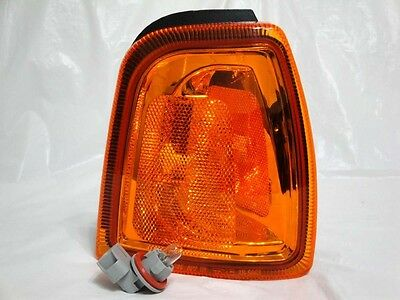 01-05 RANGER Corner Turn Signal Parking Side Marker Lamp R H passenger New