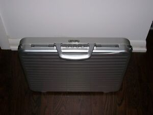 Briefcase Rimowa Silver Safe NEW