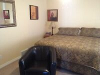 4 bedroom suite furnished equipped laundry utilities included