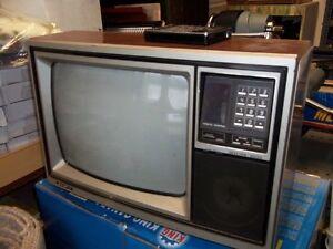 SANYO COLOUR TV 14 INCH