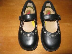 Little Girls Footwear, size 8-9 Sarnia Sarnia Area image 5