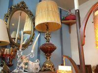 ANTIQUE CHERUB TABLE LAMP