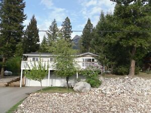 ALL SEASON VACATION HOME FAIRMONT BC