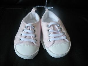Old Navy Shoes, size 6-12 months - $3