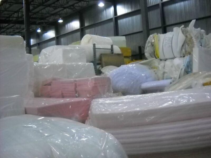 vente de mousse foam rembourrage autre laval rive nord kijiji. Black Bedroom Furniture Sets. Home Design Ideas