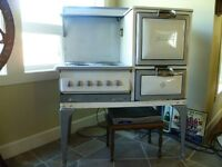 Antique GE Hotpoint Stove