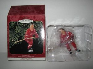 HOCKEY FIGURINES ** HALLMARK KEEPSAKES