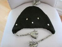 HUSH PUPPIES hat with tassles