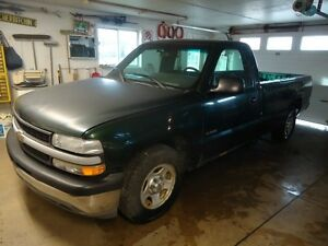 2001  Chevrolet pickup parting out.