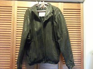 Mens Leather Bomber Jacket size 42-44 Cambridge Kitchener Area image 5