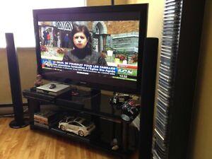 Meuble tv en verre noir avec support pour t l inclus rack for Acheter tv montreal