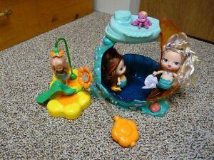Bratz & Kelly Bath Tub Toys Lots Of Fun!!