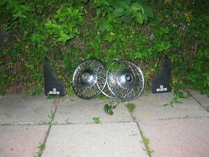 CHROME,SET OF 2+1 ,BUICK  WIRE SPOKE HUBCAPS, IN GOOD CONDITION Oakville / Halton Region Toronto (GTA) image 1