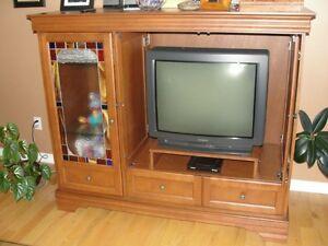 UNITÉ DE DIVERTISSEMENT TV/AUDIO/VIDÉO - MEUBLE EN BOIS MASSIF Gatineau Ottawa / Gatineau Area image 3