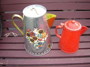 6 WATERING CANS/PATIO ITEMS London Ontario image 1