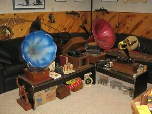 ANTIQUE PHONOGRAPHS AND RECORD PLAYERS