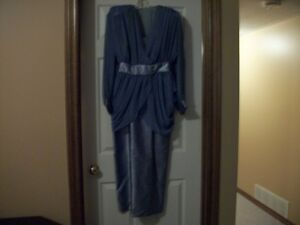 Cocktail Dress Includes 2 Jackets..3 Looks..Excellent Condition
