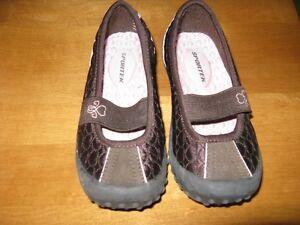 Little Girls Footwear, size 8-9 Sarnia Sarnia Area image 6