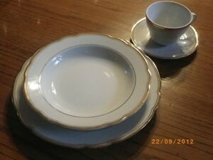 Vintage - Elegant dinnerware / dishes, white with real gold trim